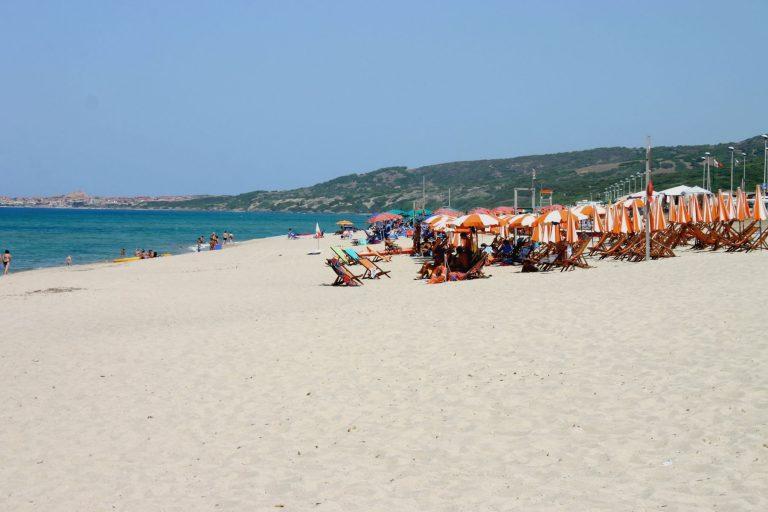 residence-badus-spiaggia-02