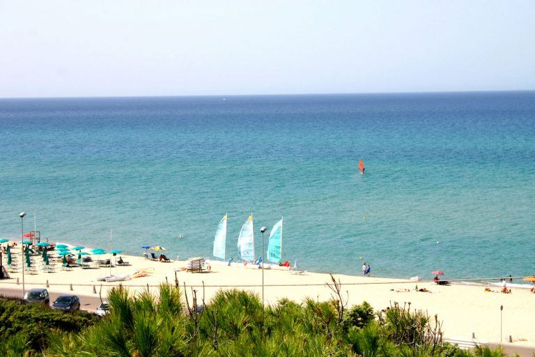 residence-badus-spiaggia-03